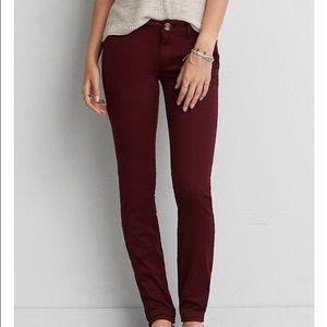 American Eagle // Maroon Skinny Twill Pants